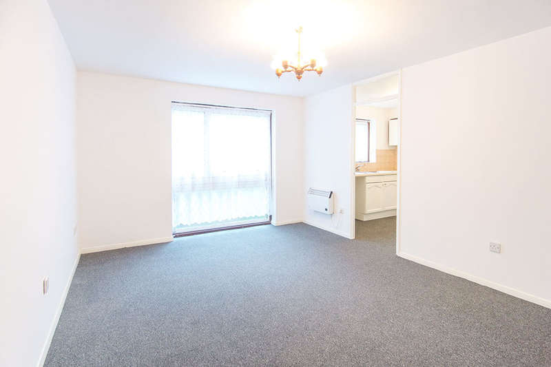 2 Bedrooms Flat for sale in Carnarvon Road, London, E15