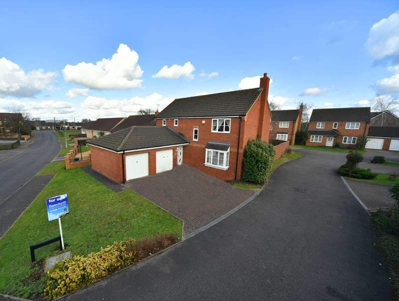 4 Bedrooms Detached House for sale in Birch Walk, Beck Row, BURY ST EDMUNDS