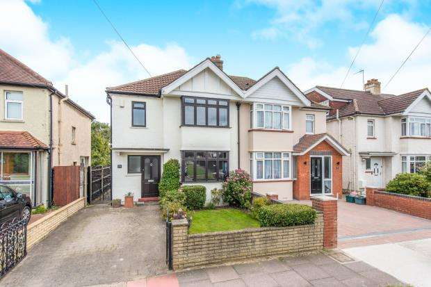 3 Bedrooms Semi Detached House for sale in Surbiton, Surrey, England