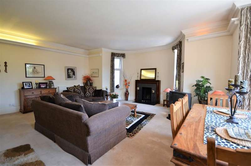 4 Bedrooms Apartment Flat for sale in Bridgewater Court , Bridgewater Road , Wembley, HA0 1AU