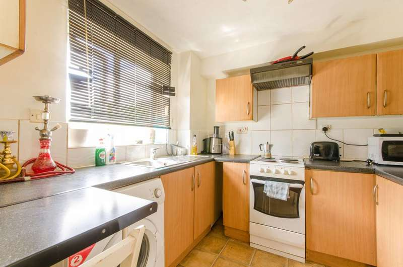 2 Bedrooms Flat for sale in Poplar Grove, New Southgate, N11