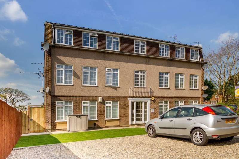 2 Bedrooms Flat for sale in Canford Close, The Ridgeway, EN2