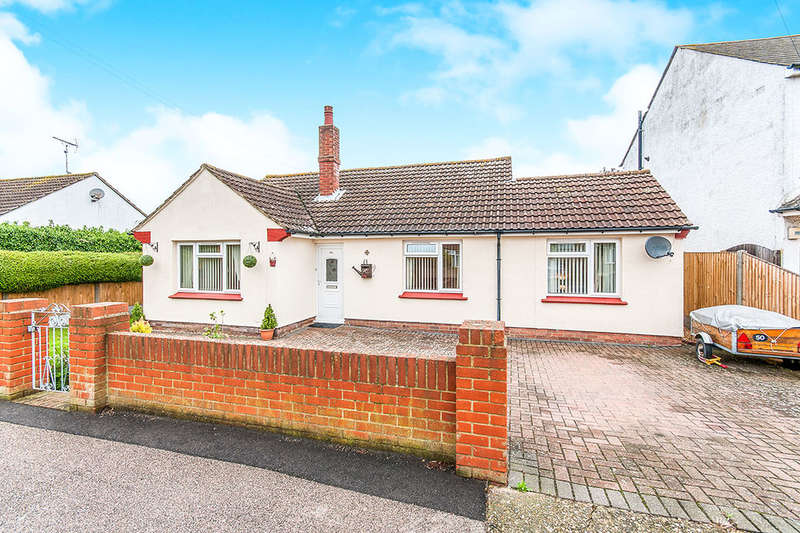 4 Bedrooms Detached Bungalow for sale in Margate Road, Herne Bay, CT6