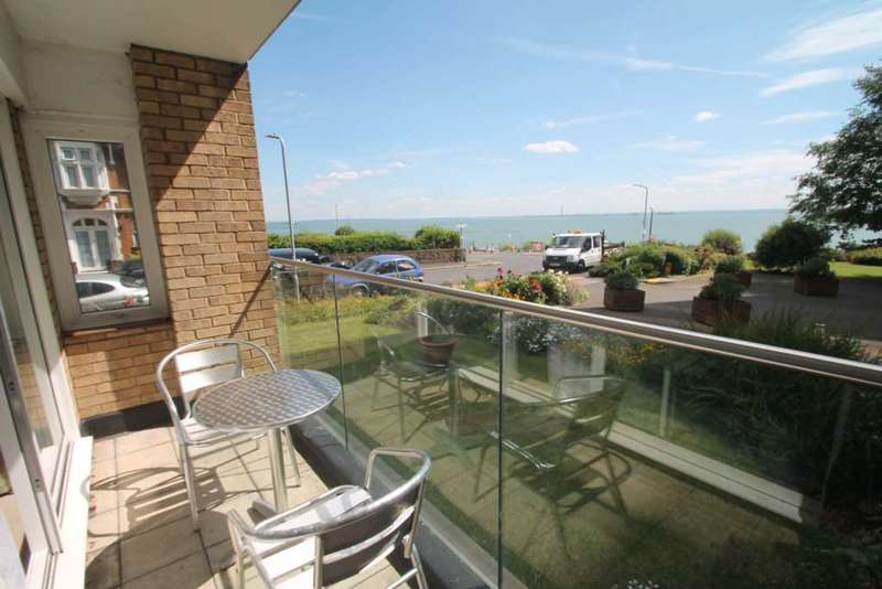 2 Bedrooms Apartment Flat for sale in Manor Road, Westcliff On Sea