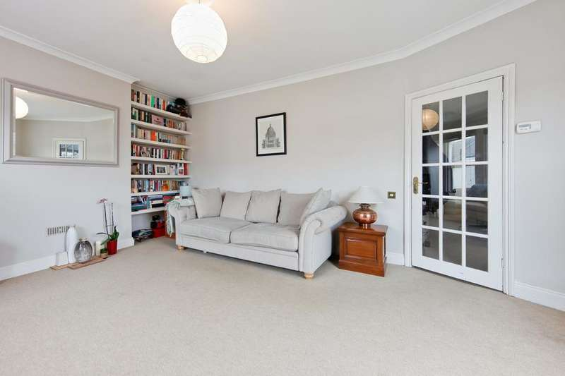 2 Bedrooms Flat for sale in Sellincourt Road, London SW17