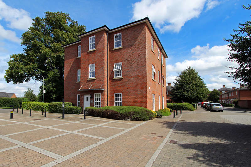 1 Bedroom Flat for sale in Bickleigh House, Knowle