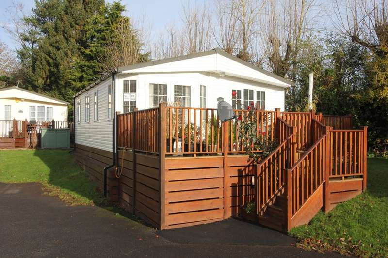 3 Bedrooms Mobile Home for sale in Devon Hills Holiday Village, Paignton