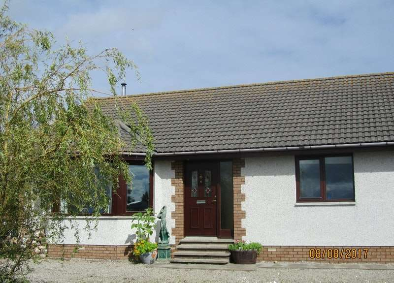 3 Bedrooms Bungalow for sale in Monks Walk, Tain, Highland, IV20