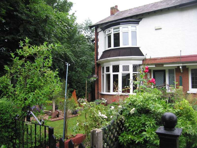 3 Bedrooms House for sale in Regina Crescent, Victoria Avenue, Hull, HU5 3EA