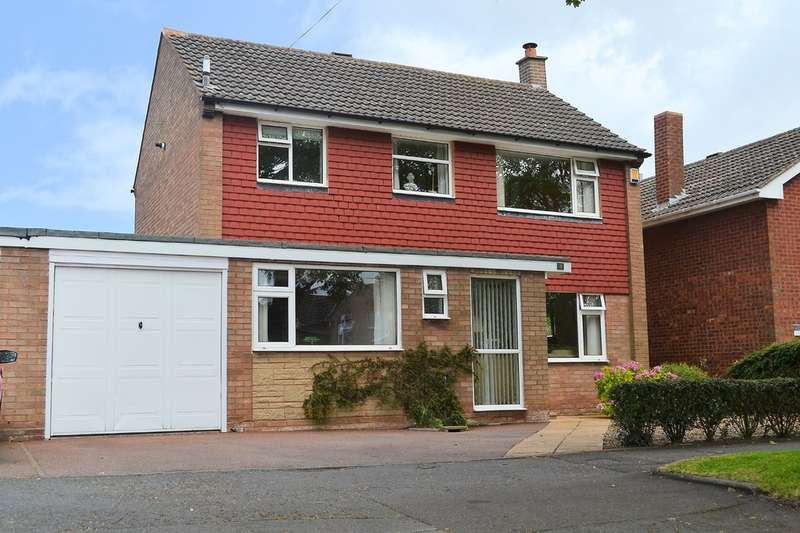 3 Bedrooms Semi Detached House for sale in The Windings, Lichfield