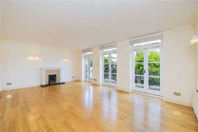 5 Bedrooms House for rent in Thames Crescent, Chiswick, W4
