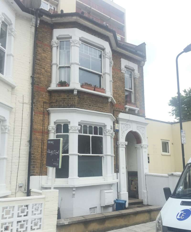 1 Bedroom Ground Flat for sale in Princess May Road, Stoke Newington, London, N16 8DG