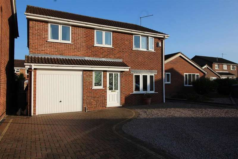 4 Bedrooms Detached House for sale in Eskdale Close, Peterborough