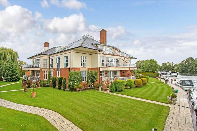 3 Bedrooms Flat for sale in Dockett Moorings, Mead Lane, Chertsey, Surrey, KT16