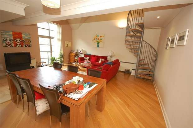 2 Bedrooms Flat for rent in Blantyre House, 4 Slate Wharf, MANCHESTER