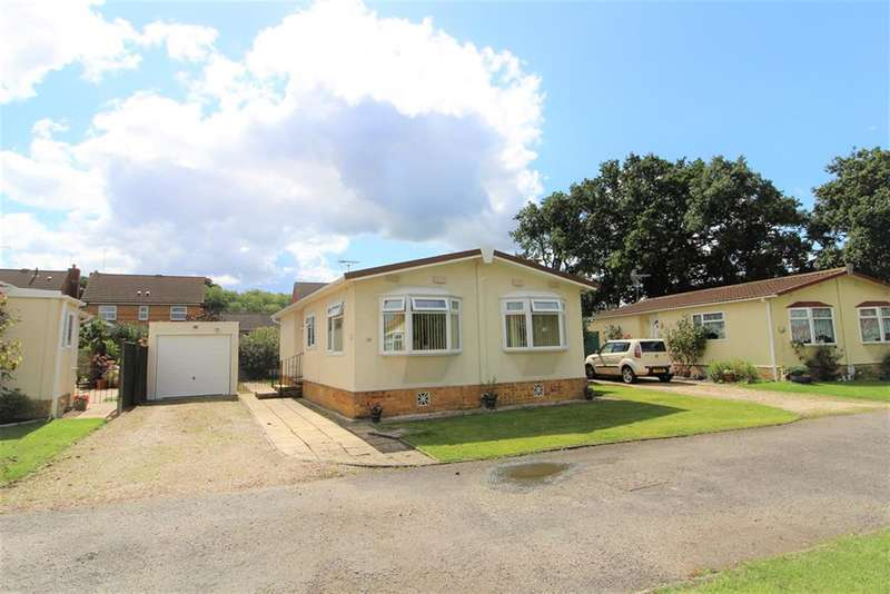 2 Bedrooms Park Home Mobile Home for sale in Bearwood Park, Bearwood Path, Winnersh, Wokingham, RG41 5SR