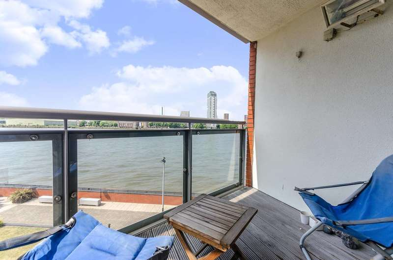 1 Bedroom Flat for sale in Orion Point, Canary Wharf, E14