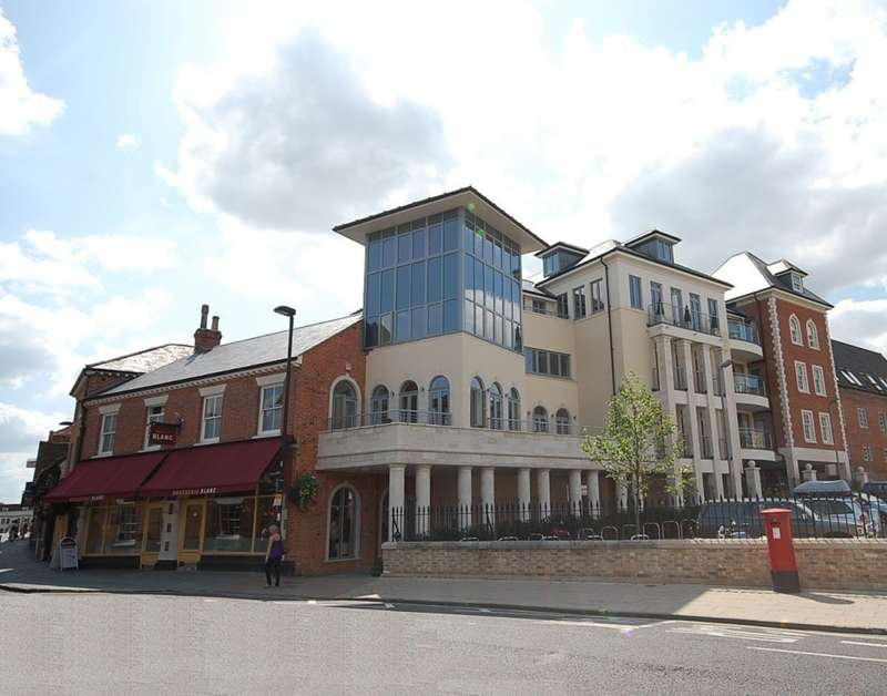 Office Commercial for rent in Second Floor Offices Venta Court, 20/20a Jewry Street, Winchester, SO23 8FE