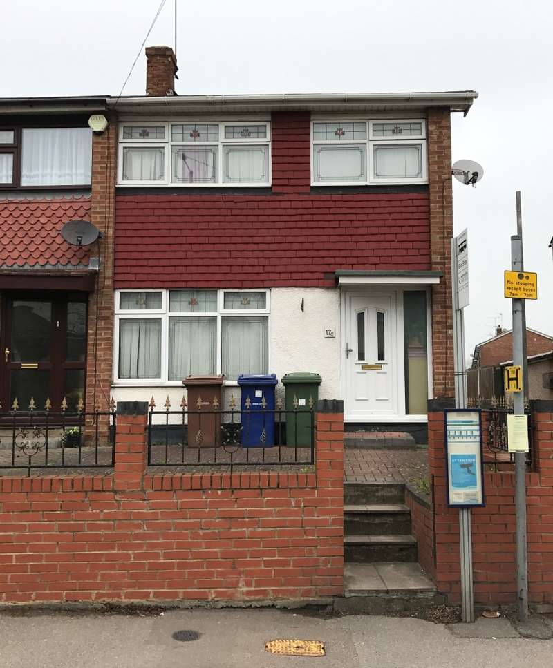 3 Bedrooms Terraced House for sale in Chadwell Road, Grays, Essex, RM17 5SU