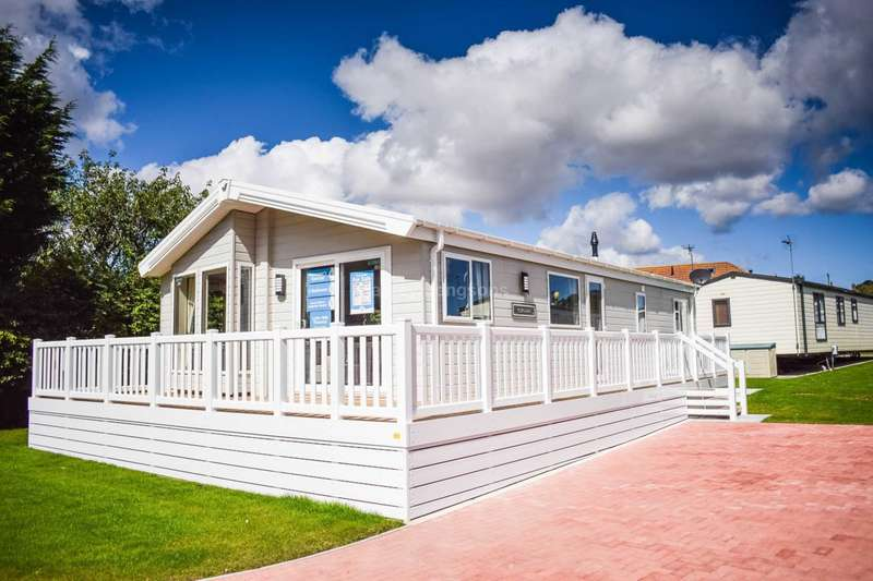 2 Bedrooms Lodge Character Property for sale in North Bay Leisure Park, Bridlington