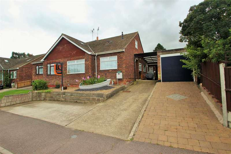 3 Bedrooms Semi Detached House for sale in Hillview Close, Rowhedge, Colchester