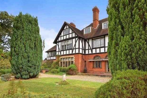 1 Bedroom Flat for sale in Frensham, Farnham, Surrey