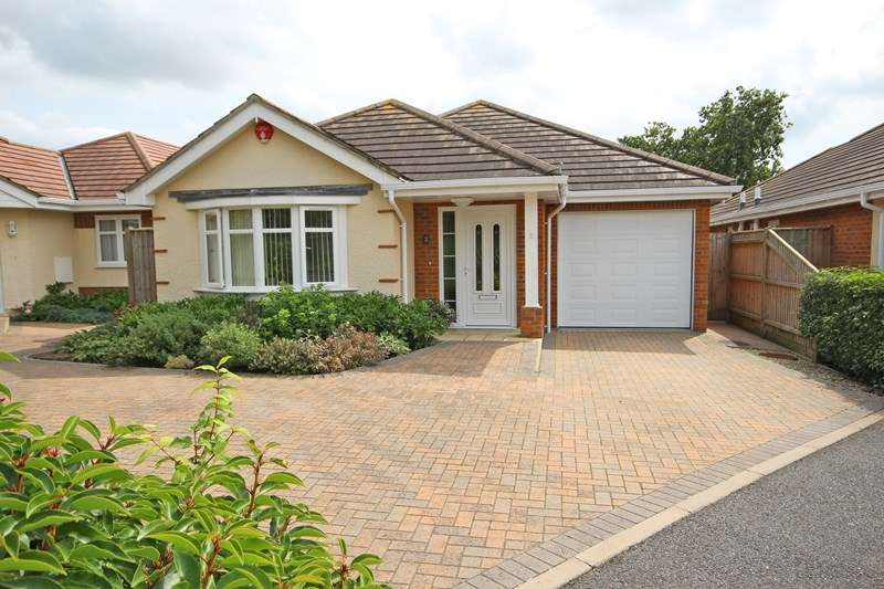 3 Bedrooms Detached Bungalow for sale in Heath Road, Hordle, Lymington