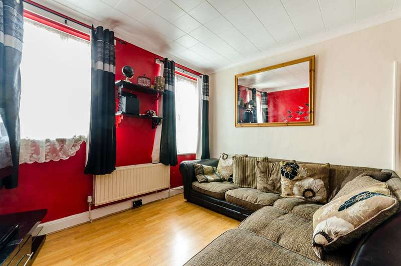 3 Bedrooms Maisonette Flat for sale in Bishopsford Road, Mitcham, SM4