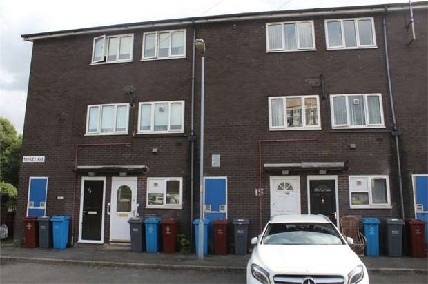 2 Bedrooms Maisonette Flat for sale in Trimley Avenue, Manchester