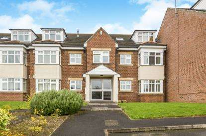2 Bedrooms Flat for sale in The Firs, Kimblesworth, Durham, County Durham, DH2