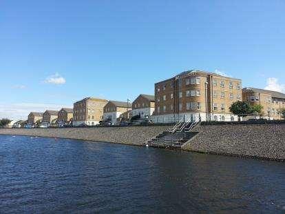 2 Bedrooms Flat for sale in John Batchelor Way, Penarth Marina, Penarth, Vale Of Glamorgan