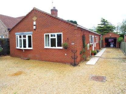 3 Bedrooms Bungalow for sale in Ingoldisthorpe, Kings Lynn, Norfolk