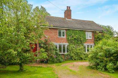 4 Bedrooms Detached House for sale in North Farm Cottages, Withcall, Louth, Lincolnshire