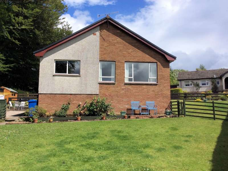 3 Bedrooms Detached Bungalow for sale in 33 Dun Mor Avenue, Kilmory, Lochgilphead, PA31 8TP