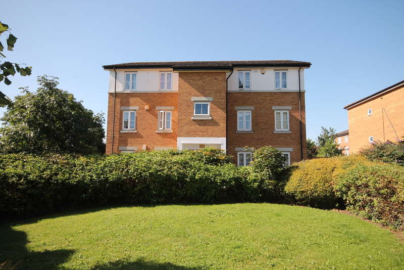 2 Bedrooms Apartment Flat for sale in Acorn Way, Bedford, MK42