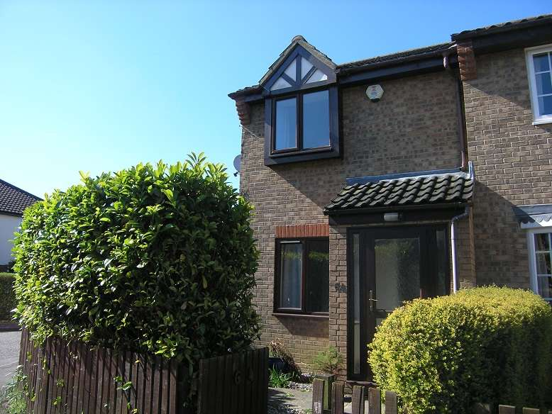 2 Bedrooms Semi Detached House for sale in Keeling Way, Attleborough