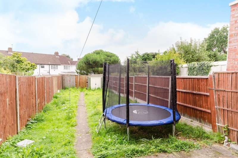 3 Bedrooms Terraced House for sale in Long Elmes, Harrow Weald, HA3