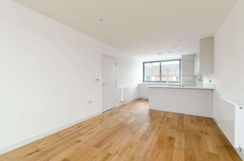 2 Bedrooms Flat for sale in Radbourne Road, Balham, SW12