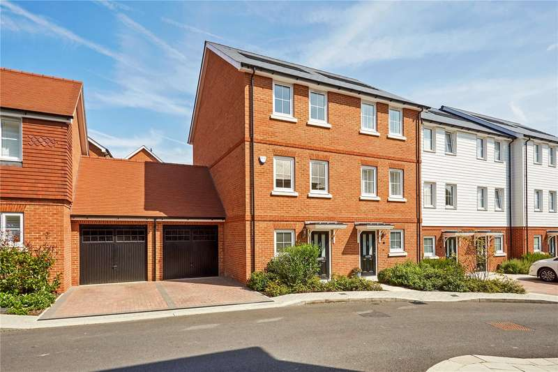 4 Bedrooms Terraced House for sale in Woodland Road, Dunton Green, Sevenoaks, Kent, TN14
