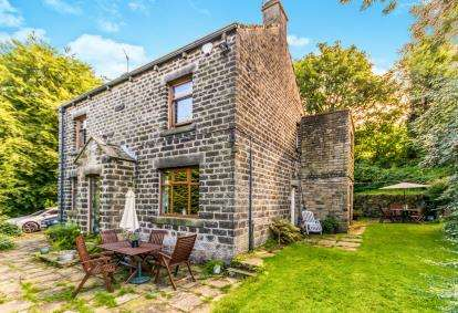 4 Bedrooms Detached House for sale in Clough Bottom, Uppermill, Saddleworth, Greater Manchester