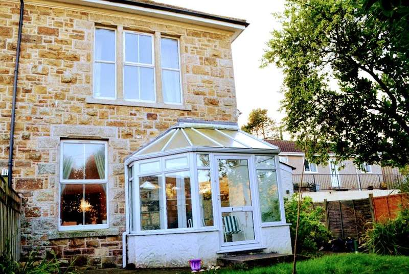 2 Bedrooms Terraced House for sale in Hillside Court, Angarrack,, Hayle