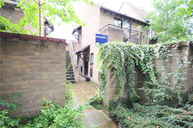 Maisonette Flat for sale in Maiden Place, Lower Earley, Reading