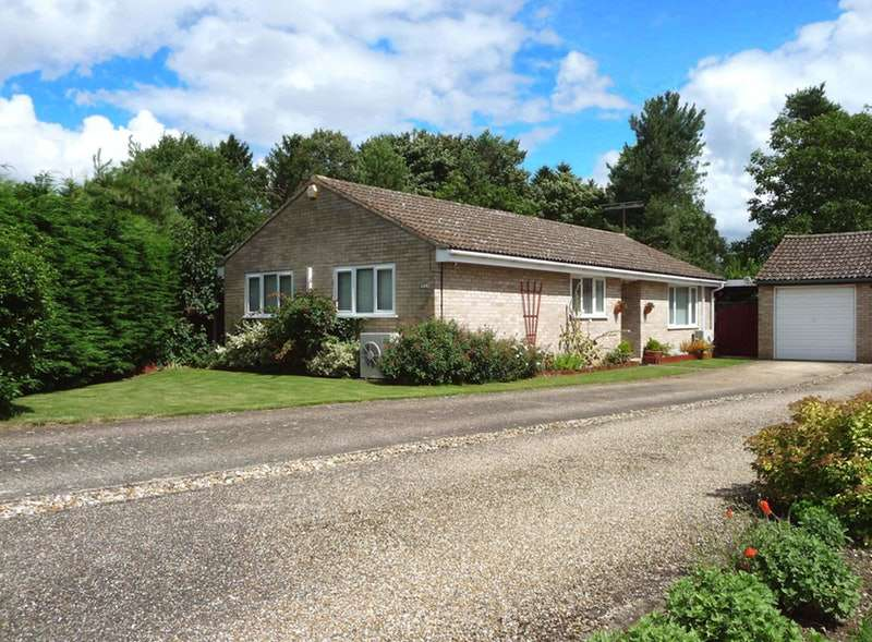 5 Bedrooms Bungalow for sale in Cromwell Close, Weeting, Brandon, Suffolk, IP27