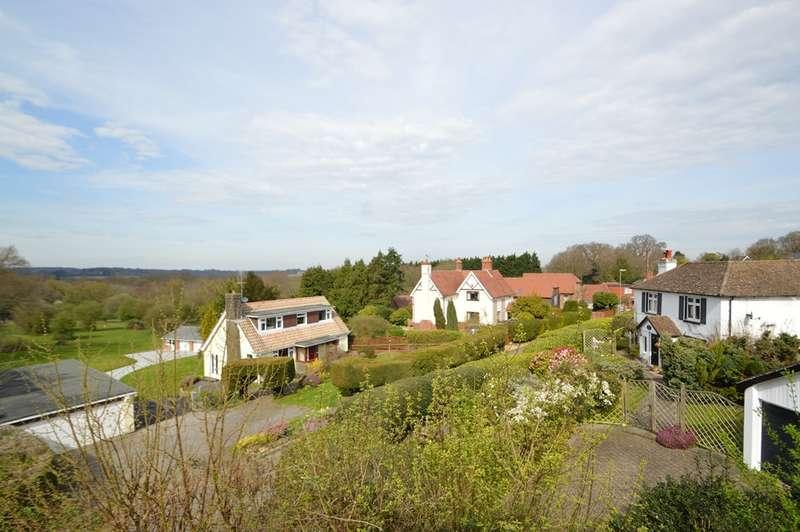 5 Bedrooms Detached House for sale in Sarisbury Green
