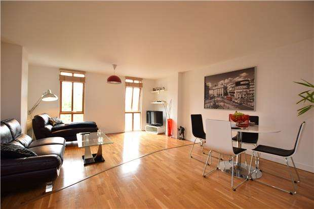 1 Bedroom Flat for sale in 51.02 Apartments, St. James Barton, BRISTOL, BS1 3LL
