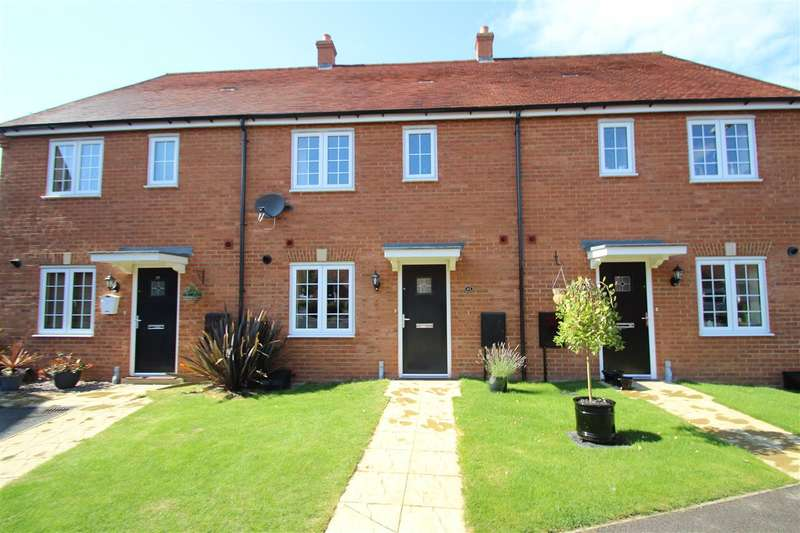 3 Bedrooms Terraced House for sale in Constance Street, Buckingham
