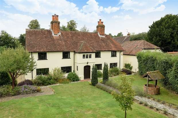 4 Bedrooms Cottage House for sale in Eversley Centre, Hook, Hampshire