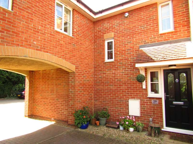 3 Bedrooms House for sale in Burdett Grove, Whittlesey, PE7