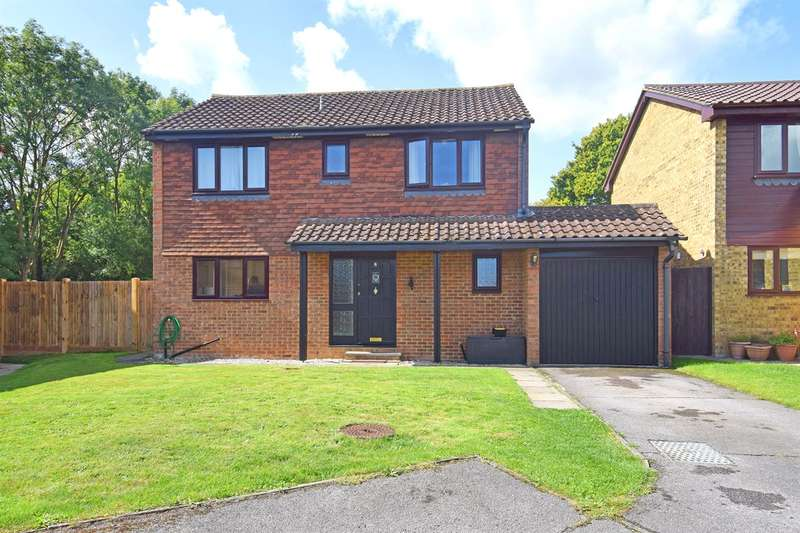 4 Bedrooms Detached House for sale in Westfield, Blean, Canterbury