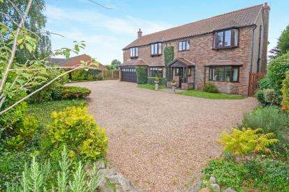 5 Bedrooms Detached House for sale in Morton Road, Laughton, Gainsborough, Lincolnshire